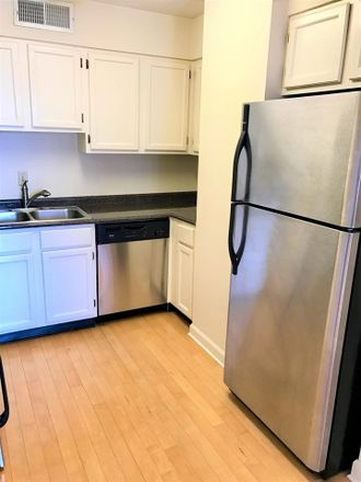 Rent this 1 bed condo on Memphis