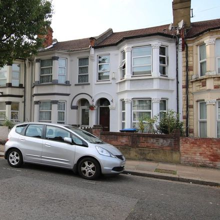Rent this 4 bed apartment on Churchill Road in London NW2 5EA, United Kingdom