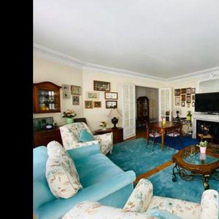 Rent this 4 bed apartment on Paris in Quartier de Chaillot, ÎLE-DE-FRANCE