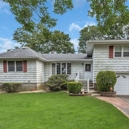 Rent this 5 bed house on 98 North Cedar Street in North Massapequa, Oyster Bay