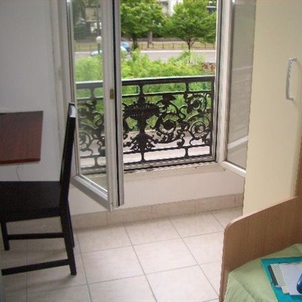Rent this 2 bed room on 149 Rue du Mont-Cenis in 75018 Paris, Francia