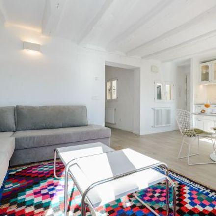 Rent this 4 bed apartment on Farmacia - Plaza Provincia 4 in Plaza de la Provincia, 4
