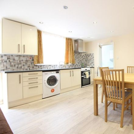 Rent this 1 bed apartment on Weir Hall Gardens in London N18 1BH, United Kingdom