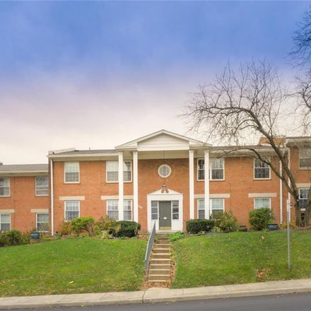 Rent this 2 bed apartment on 938 Marshall Avenue in Webster Groves, MO 63119