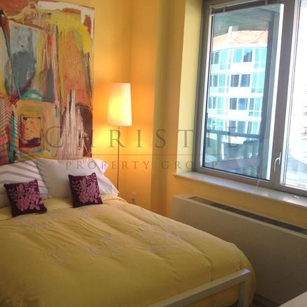 Rent this 0 bed apartment on Center Boulevard in New York, NY 11101