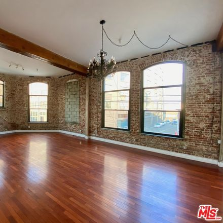 Rent this 1 bed loft on 652 Mateo Street in Los Angeles, CA 90021