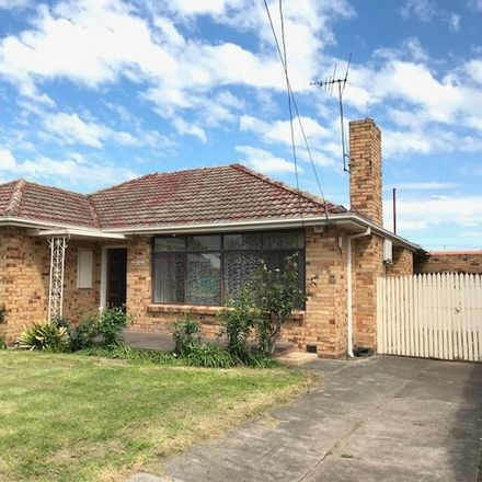 Rent this 3 bed house on 32 Rosanna St