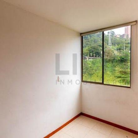 Rent this 3 bed apartment on Calle 24 39-46 in Comuna 14 - El Poblado, Medellín