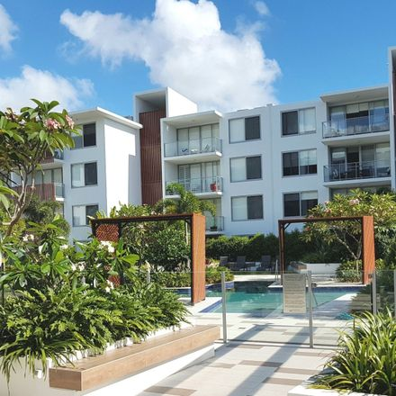 Rent this 2 bed apartment on Bundall