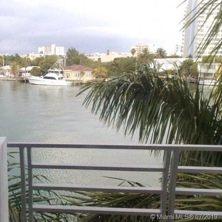 Rent this 3 bed townhouse on 171 North Shore Drive in Miami Beach, FL 33141