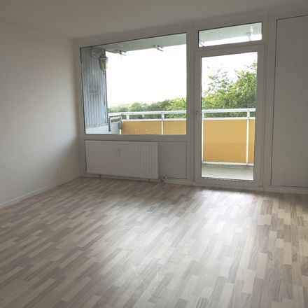 Rent this 3 bed apartment on Winkelstraße 118 in 45966 Gladbeck, Germany
