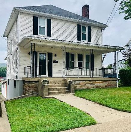 Rent this 3 bed house on 5th St in Moundsville, WV
