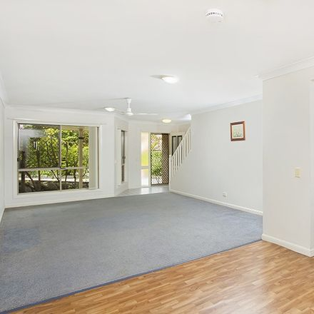Rent this 3 bed house on 43/22 Thurlow Street