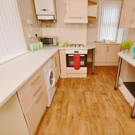 Rent this 4 bed house on 5 Hawksworth Road in Nottinghamshire NG2 5FS, United Kingdom