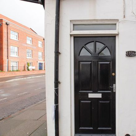 Rent this 1 bed apartment on Hargroves Cycles in 106 - 108 The Hornet, Chichester PO19 7JR