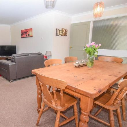 Rent this 3 bed house on Beechways Drive in Neston CH64 6TF, United Kingdom