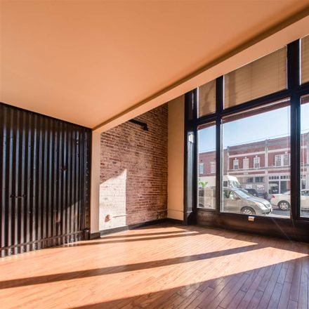 Rent this 2 bed loft on Memphis
