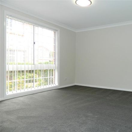 Rent this 3 bed townhouse on 15/100 Kissing Point Road