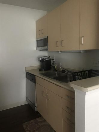 Rent this 1 bed room on Stadium Park Apartments in Commons Drive, Eugene