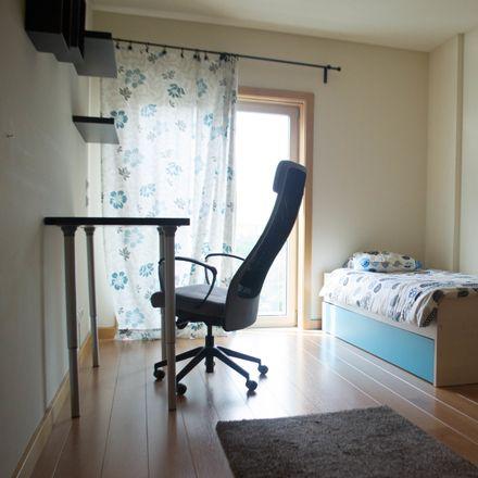 Rent this 3 bed room on R. Gomes de Brito in 1950 Lisboa, Portugal