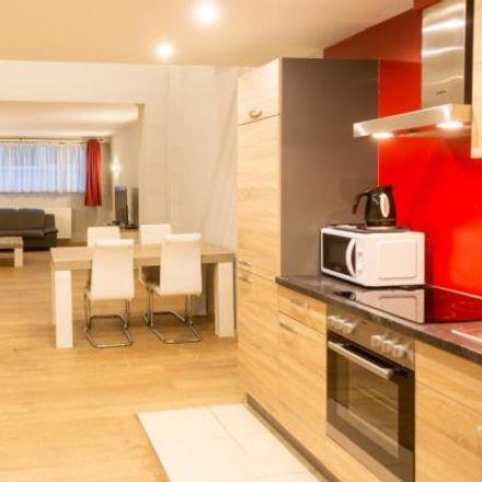 Rent this 3 bed apartment on Rue des Palais - Paleizenstraat 108 in 1030 Schaerbeek - Schaarbeek, Belgium