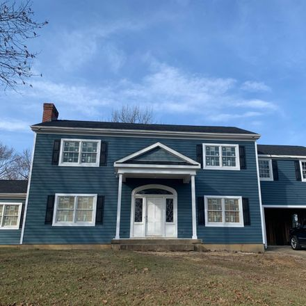 Rent this 4 bed house on 2198 Rolling Hills Boulevard in Fairfield, OH 45014