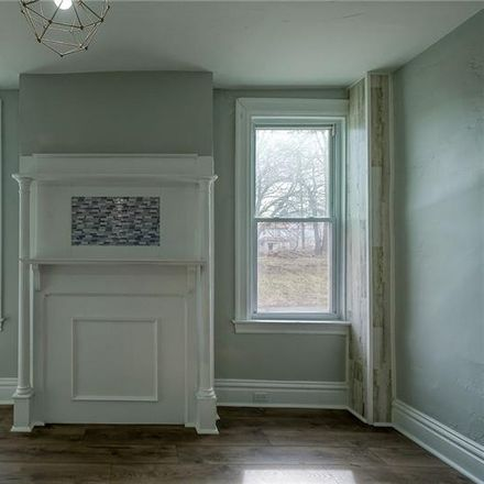 Rent this 3 bed house on Shetland St in Pittsburgh, PA