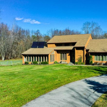Rent this 3 bed house on 6 Kyle Ct in Hyde Park, NY