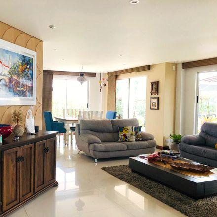 Rent this 3 bed apartment on Welcome in Avenida Bolívar - Carrera 14, La Fogata