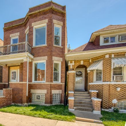 Rent this 3 bed townhouse on 6639 South Rhodes Avenue in Chicago, IL 60637