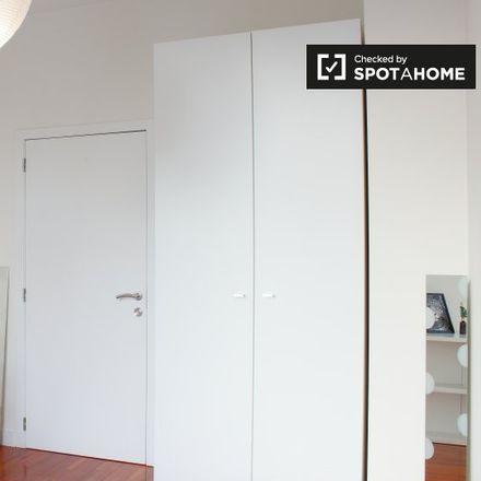 Rent this 6 bed apartment on Okay in Chaussée de Jette - Jetsesteenweg 389, 1081 Koekelberg