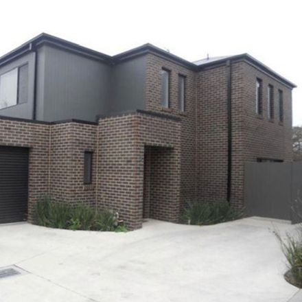Rent this 3 bed townhouse on 2/10 Neale Street