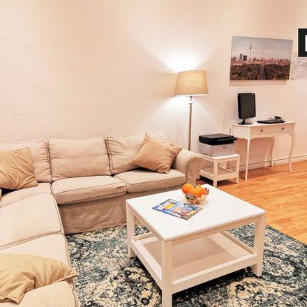 Rent this 2 bed apartment on Charlottenburg-Wilmersdorf in Kamminer Straße 32, 10589 Berlin