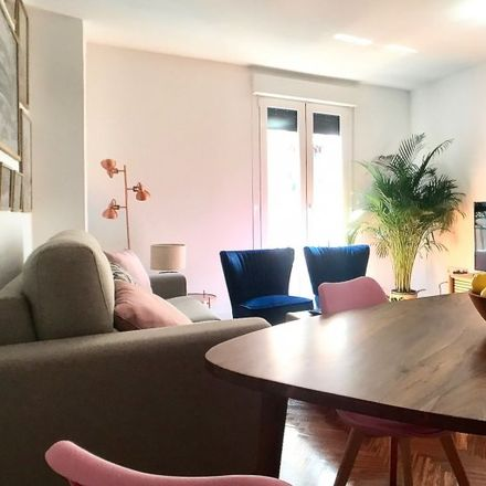Rent this 2 bed apartment on Strong in Calle de los Trujillos, 7