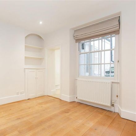 Rent this 6 bed house on 18 Milner Street in London SW3 2PU, United Kingdom