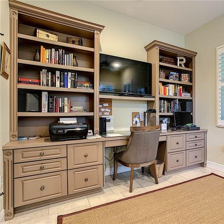 Rent this 3 bed house on Fallbrook Drive in Plantation, FL 34292