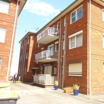 Rent this 1 bed apartment on 4/90-92 The Grand Parade
