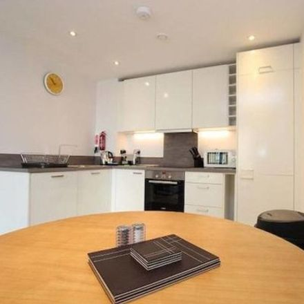 Rent this 3 bed apartment on Lundy House in 1-35 Drake Way, Reading RG2 0GQ