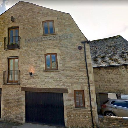Rent this 2 bed room on Mama Liz's in North Street, South Kesteven PE9 2YN