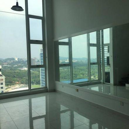 Rent this 1 bed apartment on Plaza Azalea in Persiaran Bandaraya, Section 14