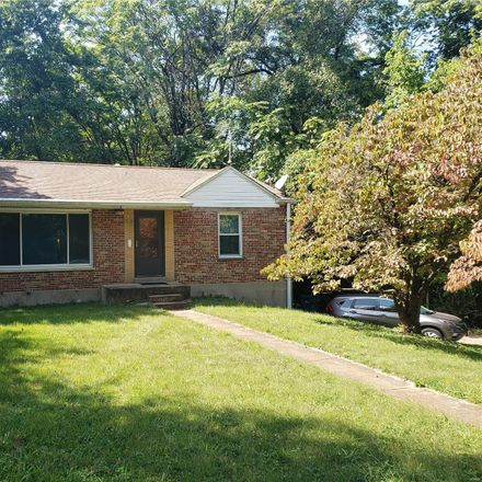 Rent this 2 bed house on 717 Robinson Avenue in Webster Groves, MO 63119