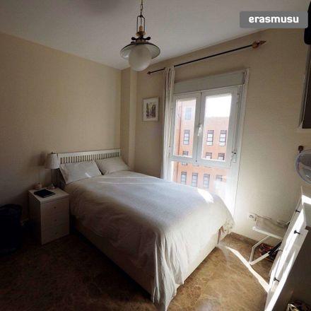 Rent this 3 bed room on Abantal in Calle Alcalde José de la Bandera, 7