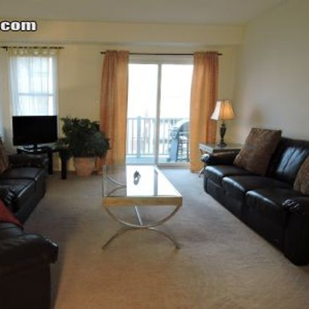 Rent this 2 bed townhouse on 599 Neighbourhood Circle in Mississauga, ON L5B 4L2