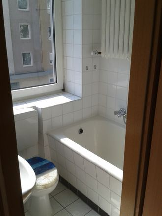 Rent this 2 bed apartment on Weseler Straße 64 in 40239 Dusseldorf, Germany