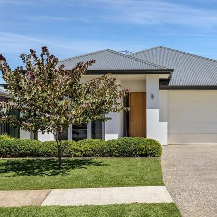Rent this 3 bed house on 4 Coolah Terrace