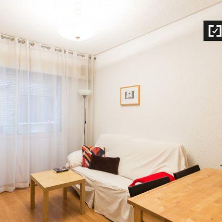 Rent this 1 bed apartment on Embajada de Albania in Calle de Lagasca, 68