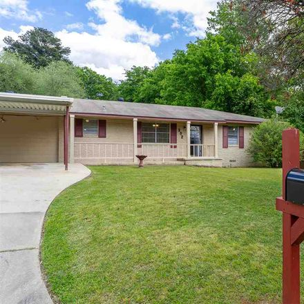 Rent this 3 bed house on 302 Northwest Drive in Longview, TX 75604
