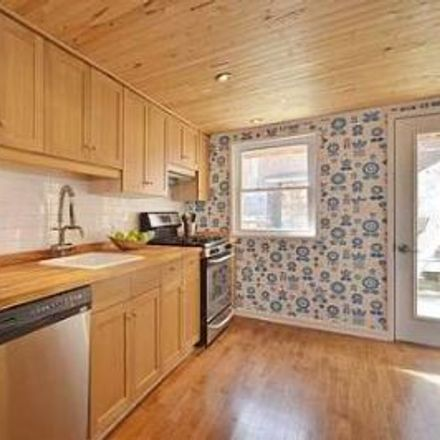 Rent this 3 bed townhouse on 901 Queen Street West in Toronto, ON M6J 1G3