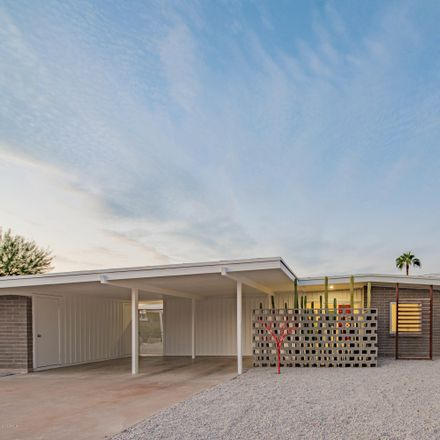 Rent this 3 bed house on 3520 East Onyx Avenue in Phoenix, AZ 85028