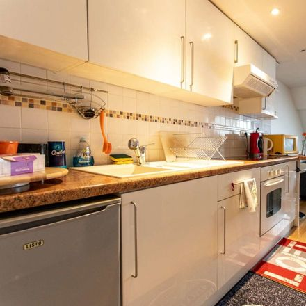 Rent this 2 bed apartment on Rue de Brigode in 59000 Lille, France